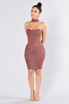 - Available in Burgundy and Cream - Faux Suede - Choker - Sweetheart Neckline - Midi Length - 90% Polyester, 10% Spandex