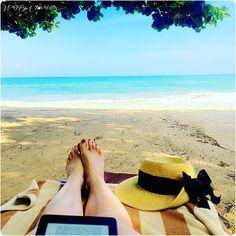 Nous sommes allés passer quelques jours à Bali et ce fût un merveilleux voyage. Je vous propose donc aujourd'hui de vous parler de Jimbaran et Gili. Après nos voyages en Tanzanie*, au Vietnam, au Laos, au Cambodge*, en Thaïlande*, en Ecosse, au Pérou et en Australie, cette année on avait envie de se programmer un voyage plus …