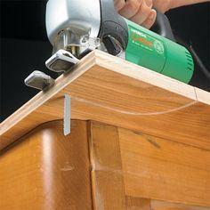 Jig Saw Secrets   Woodsmith Tips Woodworking Jigsaw, Learn Woodworking, Woodworking Skills, Woodworking Workbench, Woodworking Workshop, Woodworking Techniques, Woodworking Furniture, Woodworking Crafts, Workbench Plans