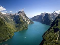 Milford Sound Fiordland National Park South Island New Zealand wallpapers and stock photos New Zealand Mountains, Voyager Loin, New Zealand South Island, Milford Sound, Fjord, Hd 1080p, Places To See, Travel Destinations, Beautiful Places