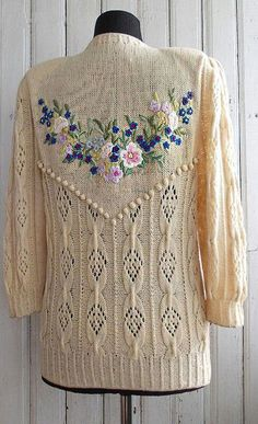Marvelous Crewel Embroidery Long Short Soft Shading In Colors Ideas. Enchanting Crewel Embroidery Long Short Soft Shading In Colors Ideas. Crewel Embroidery Kits, Beaded Embroidery, Embroidery Patterns, Embroidery Thread, Embroidery Alphabet, Knitting Designs, Knitting Patterns, Brazilian Embroidery, Seed Stitch