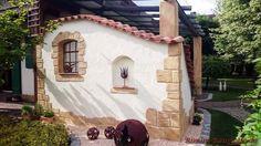 Curved roof tile – Farbe Viellja castilla - All About Balcony Walled Garden, Terrace Garden, Patio Pergola, Backyard, Brick Crafts, Small Terrace, Dream House Exterior, Garden Structures, Color Tile