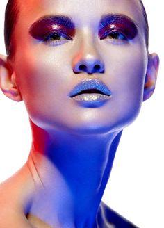 Glossy Beauty Looks : Sheen by Diliana Florentin