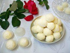 Raffaello házilag | Katarzis Cottage Cheese, Jelly, Food And Drink, Cookies, Fruit, Cake, Sweet, Candy, Raffaello