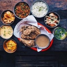 NOW OPEN:  Señor Pollo - Ortigas  Latin American restaurant and bar specializing in fried and roast chicken as well as bar bites  @papudelacruz # #bookymanila  View its exact location on our app  Tag your friends who love chicken