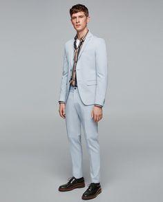 Look by Zara Mens Fashion Suits, Mens Suits, Men's Fashion, Sky Blue Suit, Costumes Bleus, Blazer Suit, Suit Jacket, Style Costume Homme, Zara Man