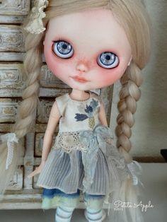 Blythe doll outfit - *Blue field flower* - grunge vintage embroidered dress
