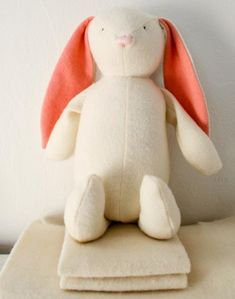 Free sewing pattern for bunny from the Purlbee