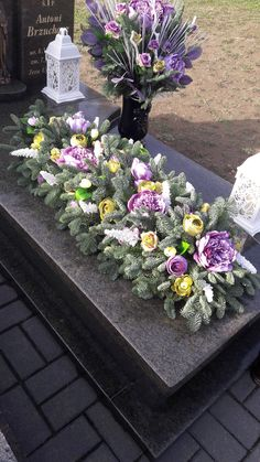 Grave Flowers, Funeral Flowers, Funeral Arrangements, Flower Arrangements, Funeral Sprays, Cemetery Decorations, Deco Floral, Flower Bouquet Wedding, Diy Projects To Try