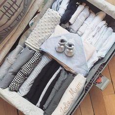 Voici la liste des choses que j'emporte à la maternité dans ma grosse valise! Vous pouvez aussi en faire deux (une petite pour le bébé et une grosse pour vous).