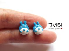 Little stud earrings inspired by My neighbor Totoro movie of Miyazaki (Studio Ghibli)  Realized in polymer clay.    The polymer clay is a durable material