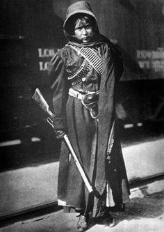 México 1910   Las Soldaderas - Mujeres que lucharon en la Revolución Mexicana - viendo por los derechos de los pobladores, contra los excesos del Gobierno y los Hacendados, que causaban demasiada y gran injusticia social en los años de 1900s