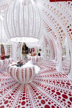 LOUIS VUITTON – YAYOI KUSAMA's pop up store, Selfridges, London, United Kingdom. Stephane Muratet  - Architizer.