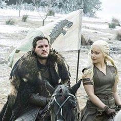 Season 7 ? ❄ #jonsnow #daenerystargaryen #kitharington #emiliaclarke #housestark #housetargaryen #gameofthroneshbo #followme #gameofthronesfan #hbo #gameofthronesfamily #got #gameofthronesseason6 #grrmartin #grrm #asoiaf #motherofdragons #khaleesi #asongoficeandfire #dracarys #daenerysstormborn Got Memes, Funny Memes, Hilarious, Funny Stuff, Game Of Thrones Funny, Hbo Game Of Thrones, Winter Is Here, Winter Is Coming, Popcorn