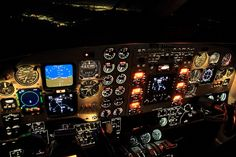 Fly in state of the art Aircraft. www.flightpooling.com night flying