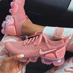 Nike gives the women's Air VaporMax Flyknit 2 a monochromatic makeover, showcasing Rust Pink coloring along the shoe's exterior. This includes the breathable Flyknit upper, laces and integrated… Sneakers Mode, Sneakers Fashion, Fashion Shoes, Shoes Sneakers, Kd Shoes, Shoes Style, Shoes Men, Shoes Sandals, Sneakers Design