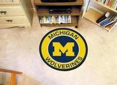 Round University of Michigan Wolverines Floor Rug