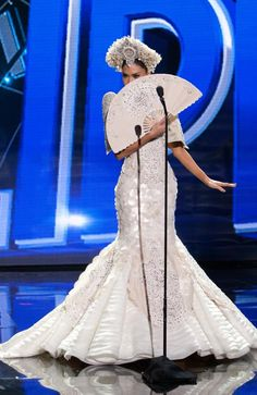 Miss Universe Philippines 2015 and now Miss Universe 2015 Pia Wurtzbach in her Miss Universe Philippines, Miss Philippines, Philippines Fashion, Miss Universe Costumes, Miss Universe National Costume, Pageant Tips, Beauty Pageant, Couture Fashion, Fashion Show