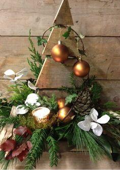 kerstboom steigerhout - kerst workshops bloemsierkunst christa snoek