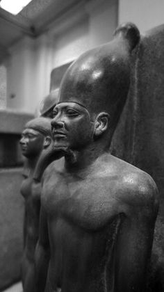 King Men-Kau-Re, the goddess Hathor and the deified Hare nome. Dynasty, reign of Men-Kau-Re, - Liz Fuge Kemet Egypt, Cairo Egypt, Ancient Egyptian Art, Ancient History, Ancient Civilizations, Egyptians, Egypt Museum, Kings Man, Black History Facts