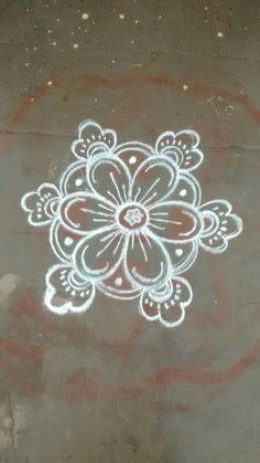 Rangoli Borders, Rangoli Border Designs, Rangoli Patterns, Rangoli Ideas, Rangoli Designs Diwali, Rangoli Designs Images, Kolam Rangoli, Flower Rangoli, Beautiful Rangoli Designs