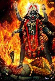 Kali Hindu, Durga Maa, Shiva Shakti, Hindu Art, Indian Goddess Kali, Durga Goddess, Indian Gods, Maa Kali Images, Durga Images