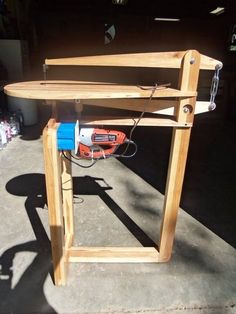 "Shop Made 25"" Scroll Saw Woodworking Workshop, Woodworking Jigs, Woodworking Projects, Woodworking Equipment, Diy Workshop, Garage Workshop, Diy Shops, Woodshop Tools, Scroll Saw"
