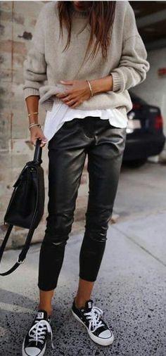 30 Beautiful Leather Outfit Ideas Copy Now Casual Fall Outfit Idea Black Leather Pants Plus Bag Plus Converse Plus Sweater Plus White Top Fashion Mode, Look Fashion, Autumn Fashion, Fashion Outfits, Fashion Trends, Womens Fashion, Feminine Fashion, Fashion Ideas, Dress Fashion