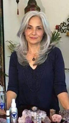 Gray hair don't care. Salt and pepper gray hair. Gray hair don't care. Long Silver Hair, Long Gray Hair, Dark Hair, White Hair, Blonde Hair, Yasmina Rossi, Silver Haired Beauties, Grey Hair Inspiration, Gray Hair Growing Out