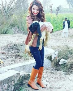 Cool Dpz, Girlz Dpz, Eid Mubarak, Fall Looks, Stylish Girl, Jeans Style, Cute Girls, Hipster, Vest