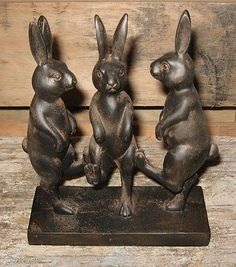 Dancing BUNNY RABBIT Statue*Primitive/French Country Farmhouse Garden Room Decor