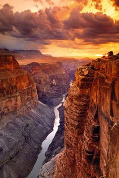 The Grand Canyon. Heaven on Earth is the name of this picture. I came across Peter Lik when I was in Maui, HI.I fell in love with his photos. I wish I could spend and purchase one because looking at one in person is awesome. Very talented man. Peter Lik, Parque Nacional Do Grand Canyon, Places To Travel, Places To See, Travel Destinations, Places Around The World, Around The Worlds, Parcs, Belle Photo