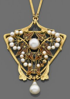 An ART NOUVEAU pearl, enamel and gold pendant, by Lucien GAILLARD. Of triangular shape with enamelled ivy leaf motifs, set with pearls, mounted in 18k gold. #ArtNouveau #Gaillard #pendant