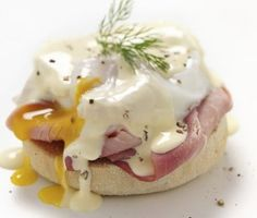 Check out Classic Eggs Benedict with Asparagus recipe and more from Sur La Table! Brunch Recipes, My Recipes, Breakfast Recipes, Dessert Recipes, Favorite Recipes, Desserts, Simply Recipes, Breakfast Dishes, Brunch Ideas
