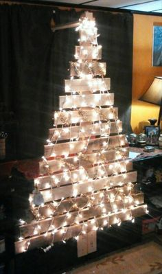 DIY Pallet Christmas Tree with Lights Concepts