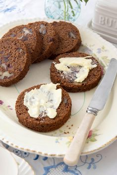 Date and Walnut Roll by Thermo Nutritionist on www.recipecommunity.com.au