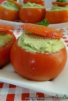 Para o #jantar temos estes Tomates Recheados com Pasta de Ricota e Frango, são deliciosos, requintados, tentadores e fáceis de preparar!  #Receita aqui: http://www.gulosoesaudavel.com.br/2012/01/23/tomates-recheados-pasta-ricota-frango/