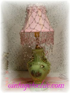 vintage lamp redesigned Shabby Chic Lighting, Shabby Chic Lamps, Lamp Shades, Light Shades, Vintage Love, Retro Vintage, I Love Lamp, Old Lamps, Vintage Lamps