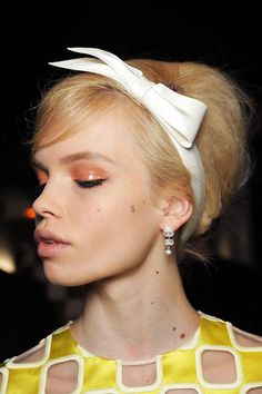 Glossy peach lids at Louis Vuitton - we've always been secret fans of a glossy finish on eyes, time to start experimenting! #pfw