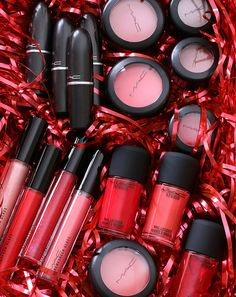 A look at the MAC Red, Red, Red Collection, holiday 2014