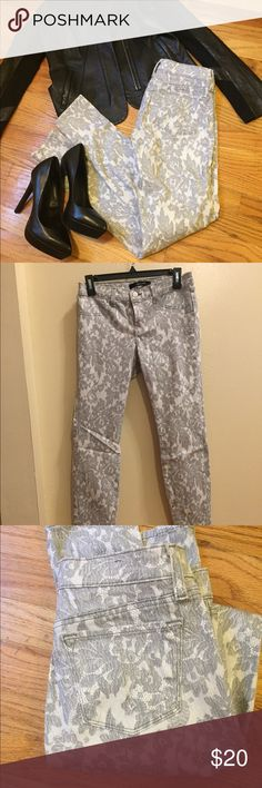 J brand lace print jeans These j brand lace being super skinny jeans are super comfy and super cute! Fit true to size and never been worn. J Brand Jeans Skinny