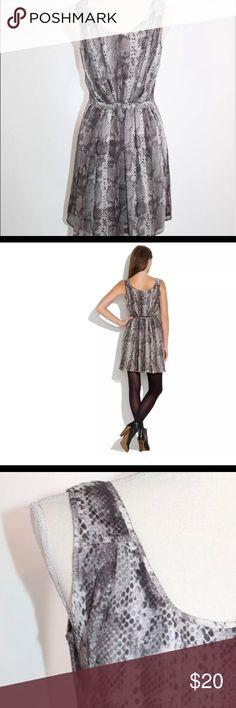 Broadway & Broome Gray Silk Animal Snake Dress Sz0 Broadway & Broome Gray Silk Snakecharmer Animal Snake Print Dress 0 Broadway & Broome Dresses