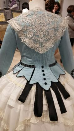 Lolita Fashion back of a dress look at the lace details! O_O - Visit to grab an amazing super hero shirt now on sale! Antique Clothing, Historical Clothing, Victorian Fashion, Vintage Fashion, Vintage Dresses, Vintage Outfits, Costume Venitien, Mode Lolita, Bustle Dress