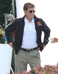 Denis Leary on the set of 'Draft Day' in Cleveland, Ohio. Denis Leary and football? I can't WAIT! (photo via Zimbio)