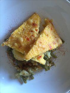 Tarde en el Mediterráneo - Polenta al horno con cebolla y pimientos del piquillo. - Judias verdes, patatas, ajo, vinagre de jerez, pimentón dulce y aceite de oliva.