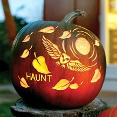 Halloween decoration ideas do not have to be scary. Creative Halloween decorations will make your house inviting and friendly. If you do not want to live in one of those houses on the street that the Owl Pumpkin Carving, Unique Pumpkin Carving Ideas, Halloween Pumpkin Stencils, Amazing Pumpkin Carving, Pumpkin Carving Templates, Pumpkin Art, Halloween Pumpkins, Halloween Crafts, Pumpkin Ideas