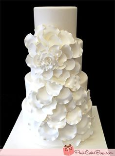 Ivory Big Rose Wedding Cake - love this cake, just needs some sparkles