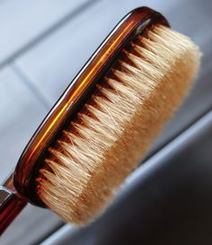 Breaking Down Beauty: Dry Brushing Your Skin