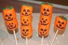 holloween marsmellow treats | Halloween Marshmallow Pops
