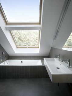 Admirable Attic Bathroom Makeover Design Ideas - Page 61 of 65 Modern Room, Bathroom Makeover, Modern Loft, Shower Room, Glass Bathroom, Modern Bathroom, Loft Bathroom, Bathroom Design, Tile Bathroom